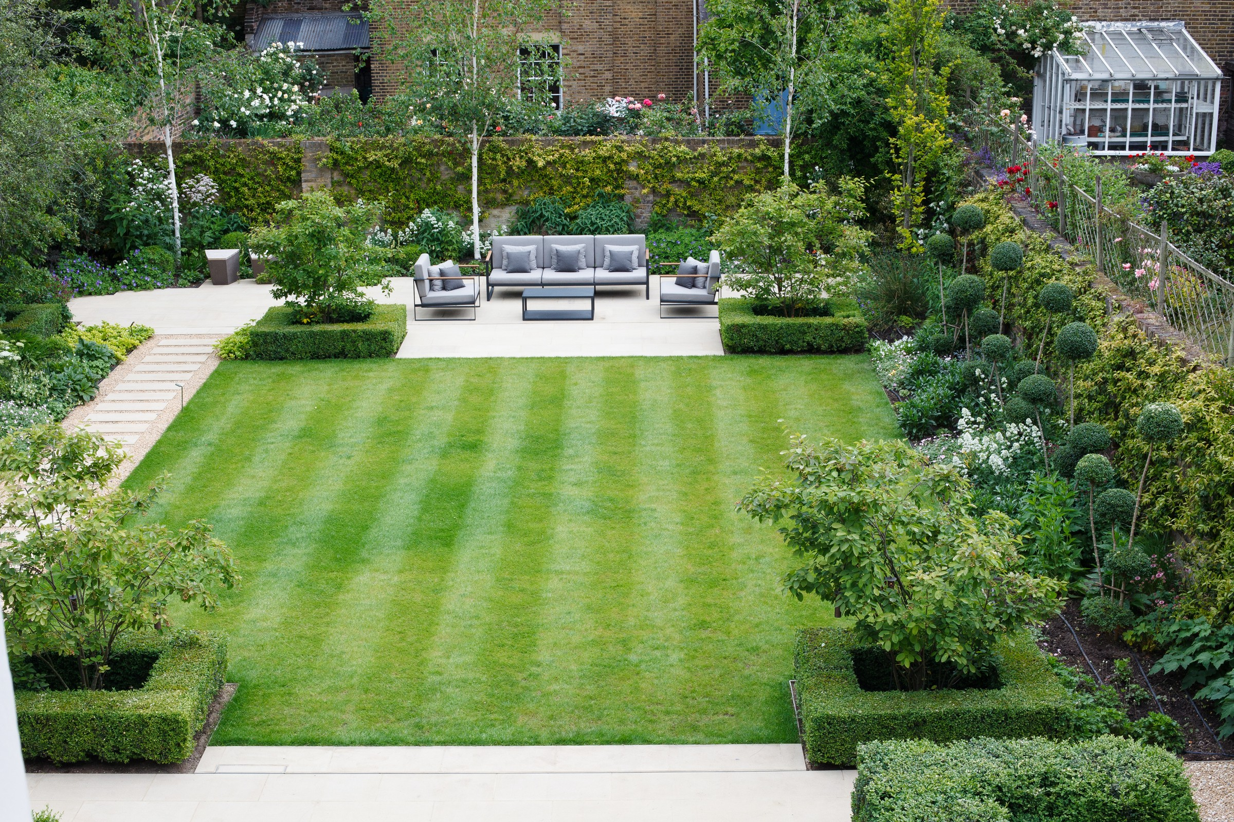 Top Terrace Gardens Style for Aesthetical Ambience